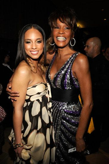 See Whitney Houston With Other Iconic Women Over The Years Whitney Houston Grammy Party Whitney Houston Pictures
