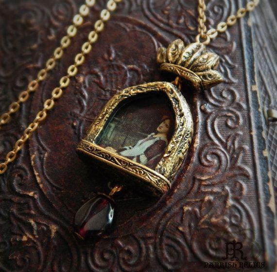 Saint cecilia crowned pictorial amulet necklace fimo npady saint cecilia crowned pictorial amulet necklace mozeypictures Choice Image