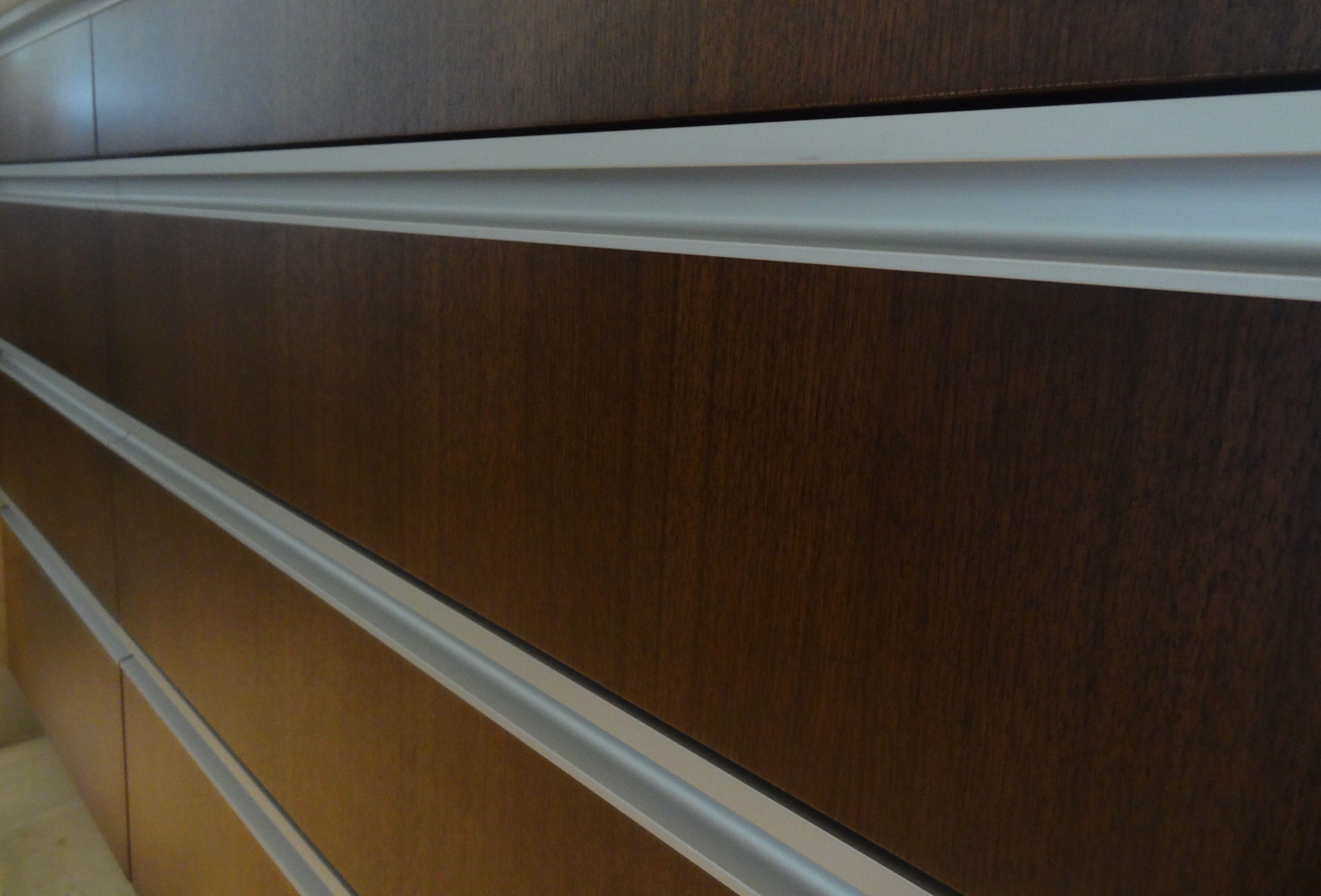 Continuous Pull Handles Aluminum Glass Cabinet Doors Kitchen