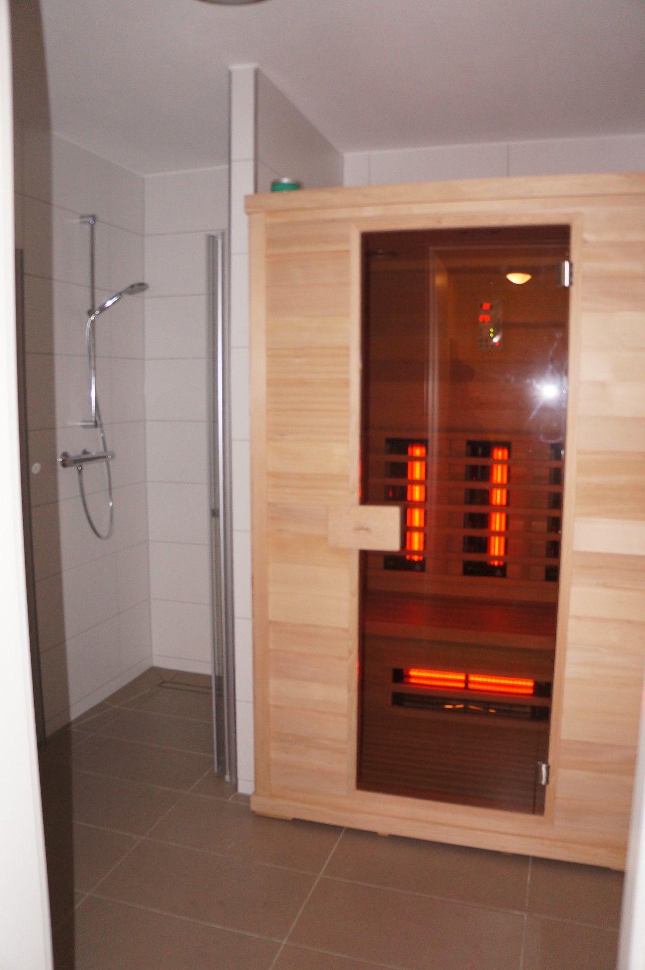 infrarood sauna in badkamer - Google zoeken | Badkamer | Pinterest