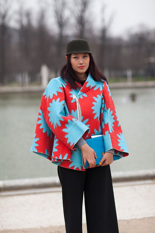 Paris Street Style great African print! #Africanfashion #AfricanWeddings #Africanprints #Ethnicprints #Africanwomen #africanTradition #AfricanArt #AfricanStyle #AfricanBeads #Gele #Kente #Ankara #Nigerianfashion #Ghanaianfashion #Kenyanfashion #Burundifashion #senegalesefashion #Swahilifashion DK