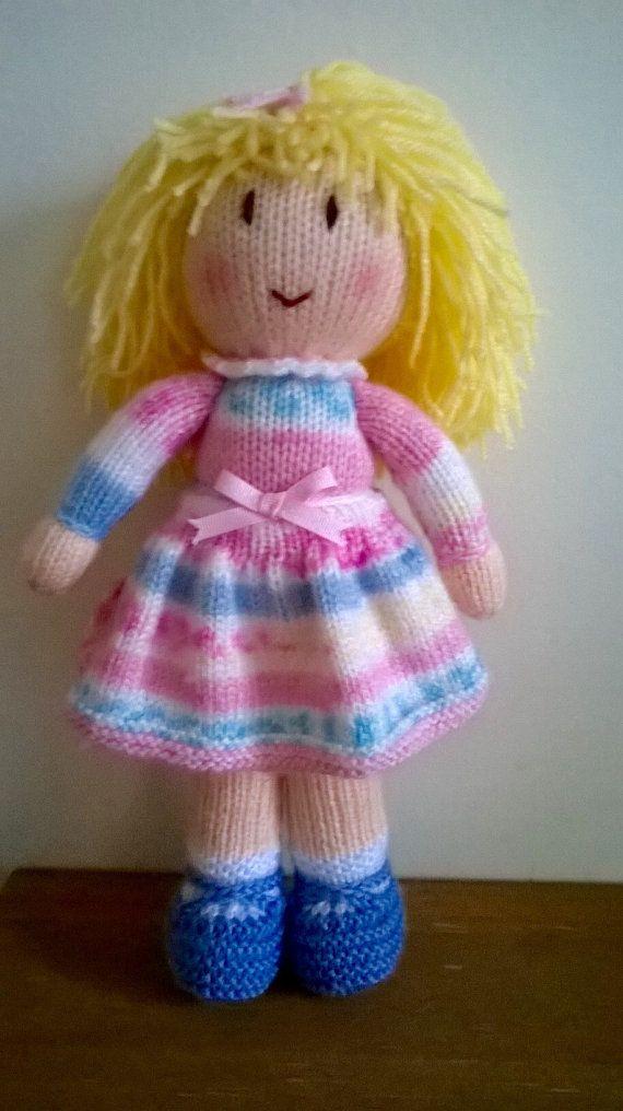 Hand knitted doll | Muñecas, Dos agujas y Tejido en crochet