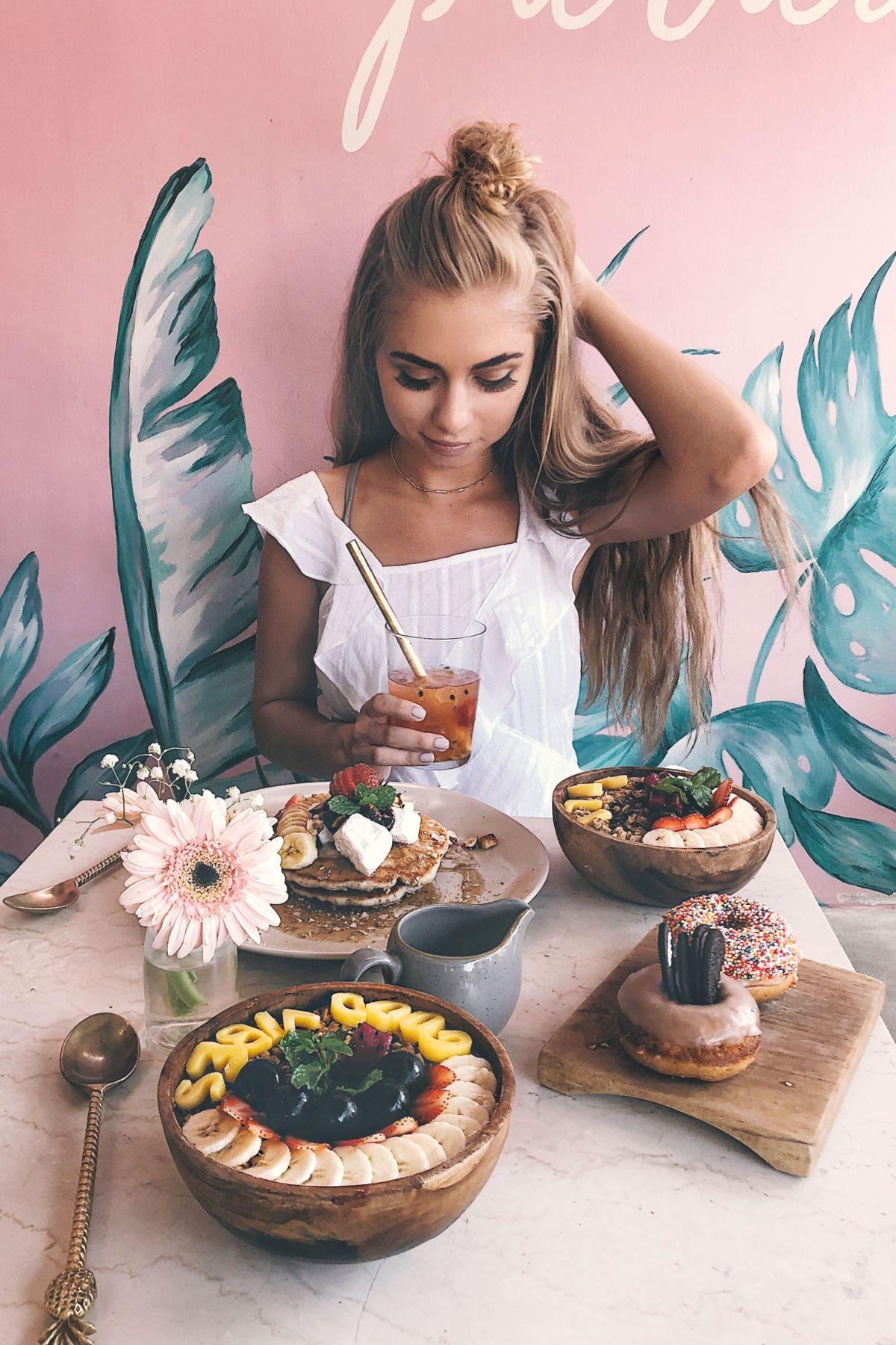 Bali Jessamaddocks Jessakae Food Cute White Top Lulus Acai Bowl Good Vibes Pink Breakfast Yum Style Fashion Blonde Hair Beauty Makeup