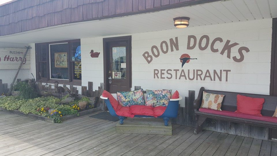 Boondocks Might Just Be The Best Crab Shack In Delaware Even Though It S Middle Of A Cornfield Plan Trip To This Famous Family Owned Restaurant