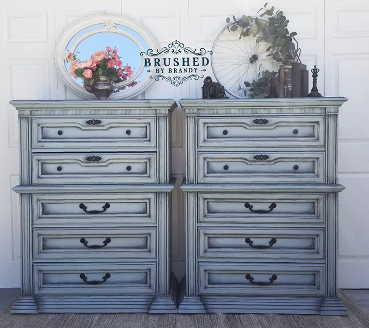 How to Blend on a Buffet   Chalk paint furniture diy ...