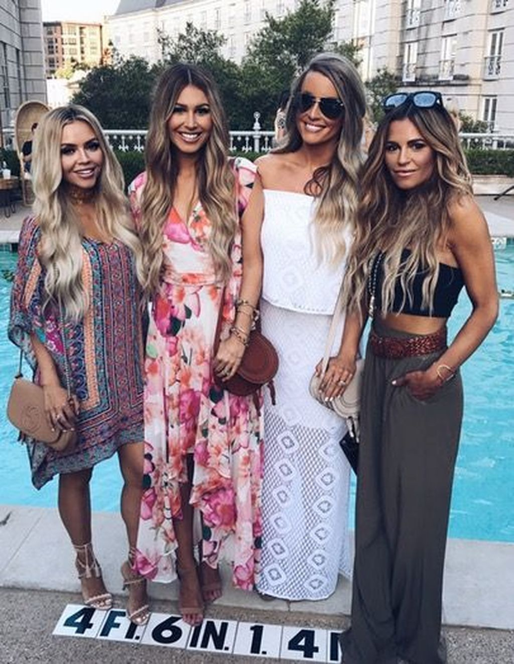 45 Elegant Night Party Outfits Ideas For Spring In 2020 Party