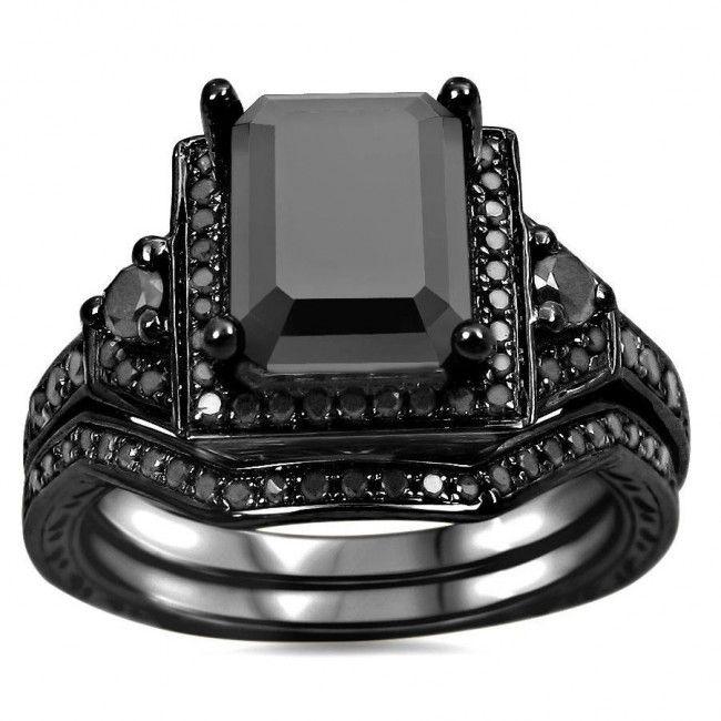 2.0 CT Emerald Cut Black Diamond Wedding Set With Black Round Diamond Side Stones #Evolees #Blackdiamondring www.evolees.com