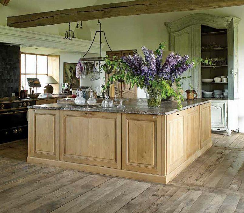 Grand Designs Kitchens: Grand Kitchen Island Via Garnier (be), Home Of Brigitte