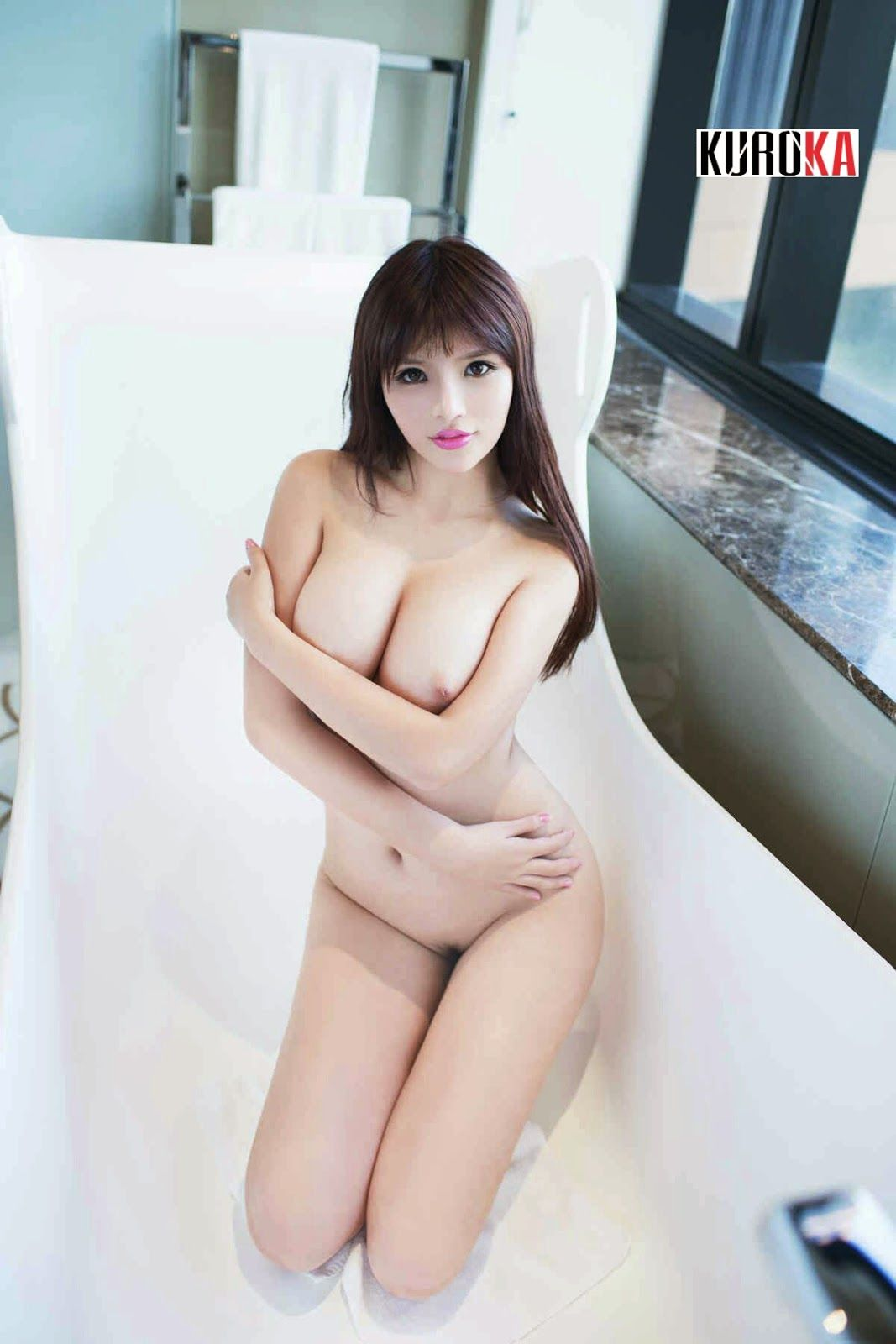 lisa tong naked picture