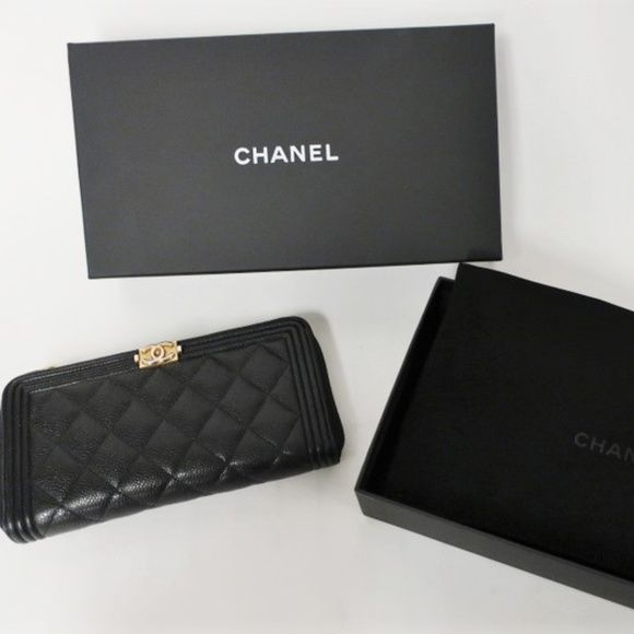 17aeec76bb04 Chanel Boy L-Gusset Zip Wallet Black Caviar CONDITION: Pre-loved. Good  condition. Wear on bottom corners. Light wear on top corners. Hardware is  tarnished.