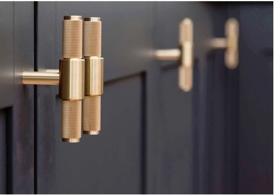 Knurled Cabinet Pulls Simple Kitchen