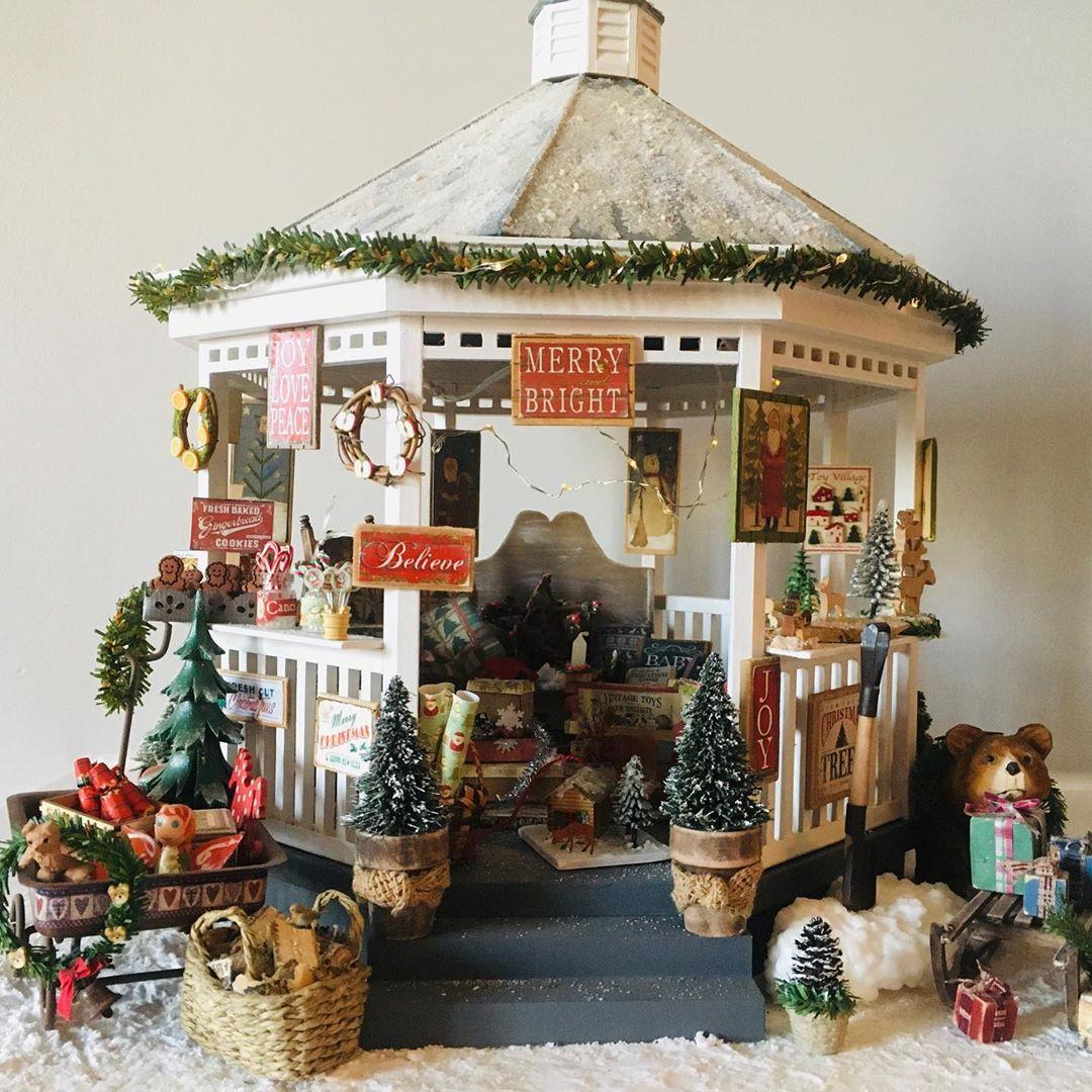 "Brigitte Martinez on Instagram ""Kiosque de Noël fait en"