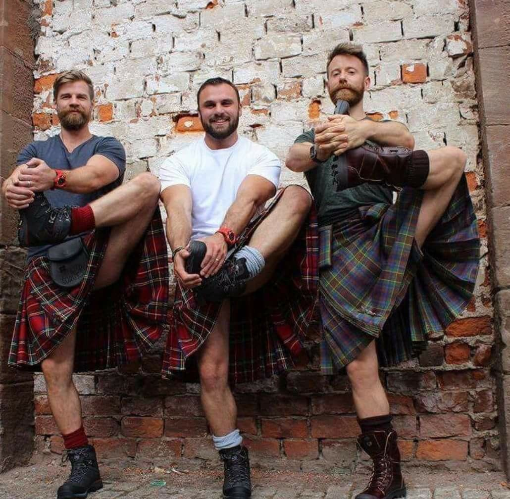 s men Gay m scottish