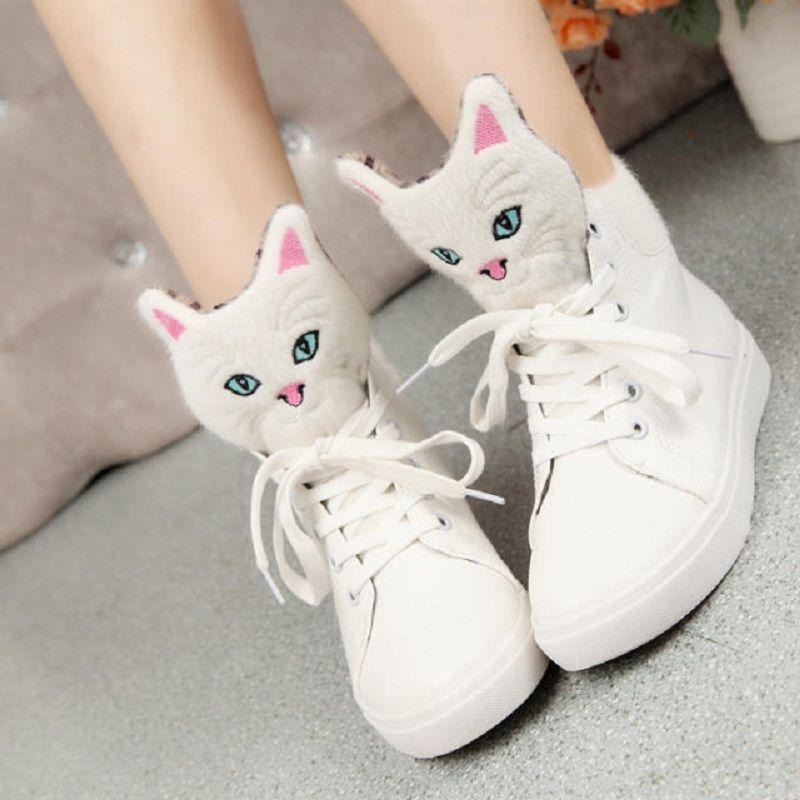 Colorful And Beautiful Pineapple Tree Women Casual Sneakers Footwear Lo-Top Cute Comfortable
