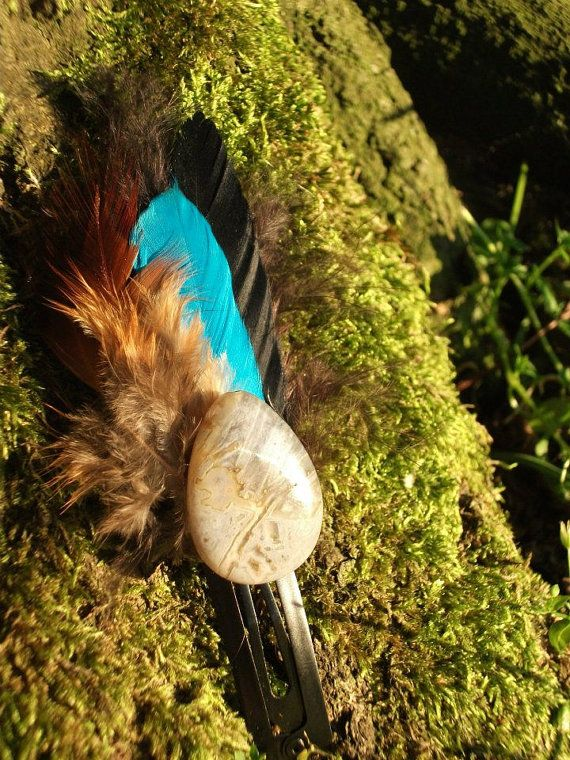 FeAtHeR hAiR cLiP by MamaManili on Etsy, €7.00
