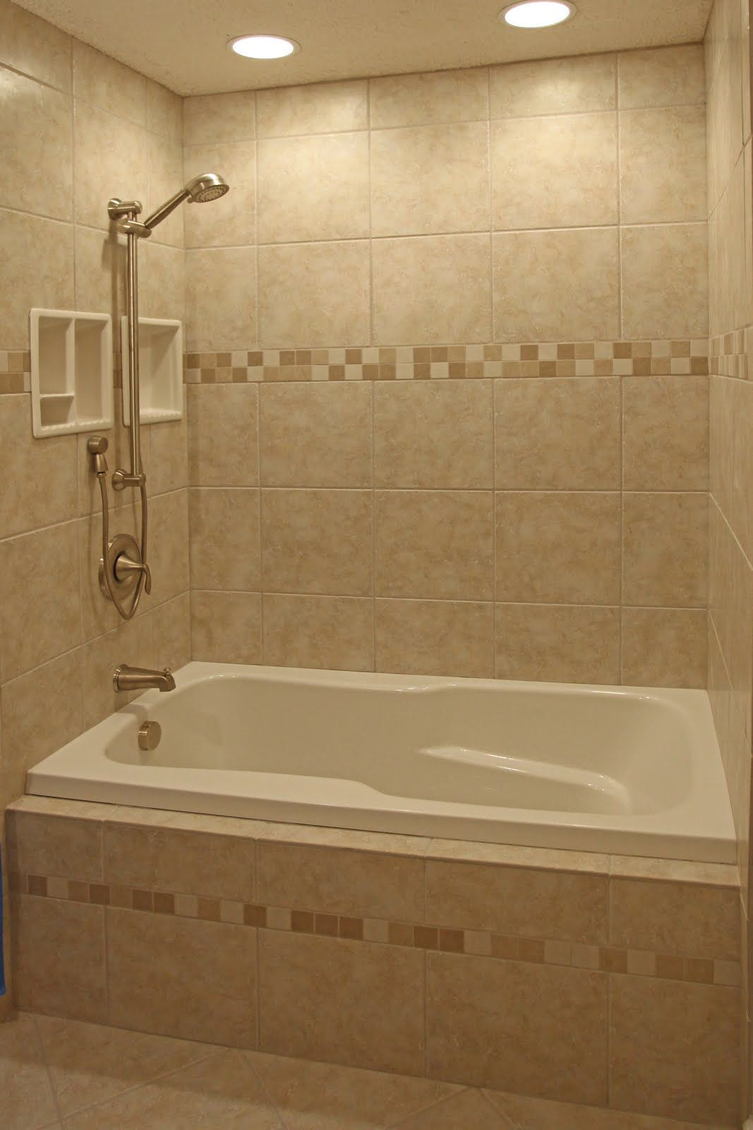 30 Small Bathroom Decorating Ideas With Images Bathtub Tile Bathroom Tile Designs Bathroom Tub Shower Combo
