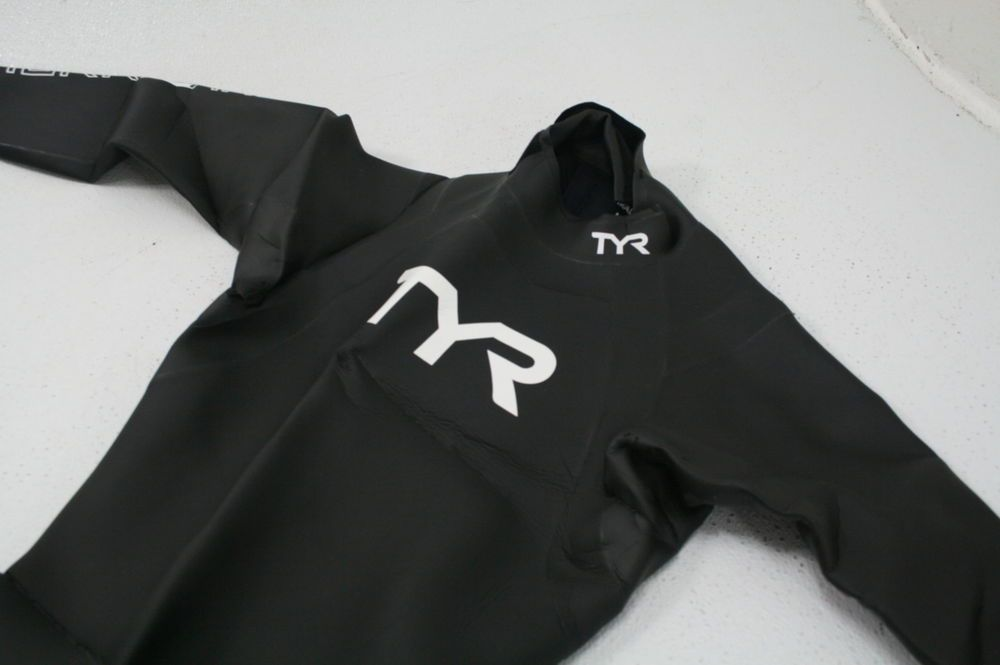 6f3eae1f72f7f TYR Men s Hurricane Wetsuit Category 1 Form Fitting Black White  Medium Large (eBay Link)