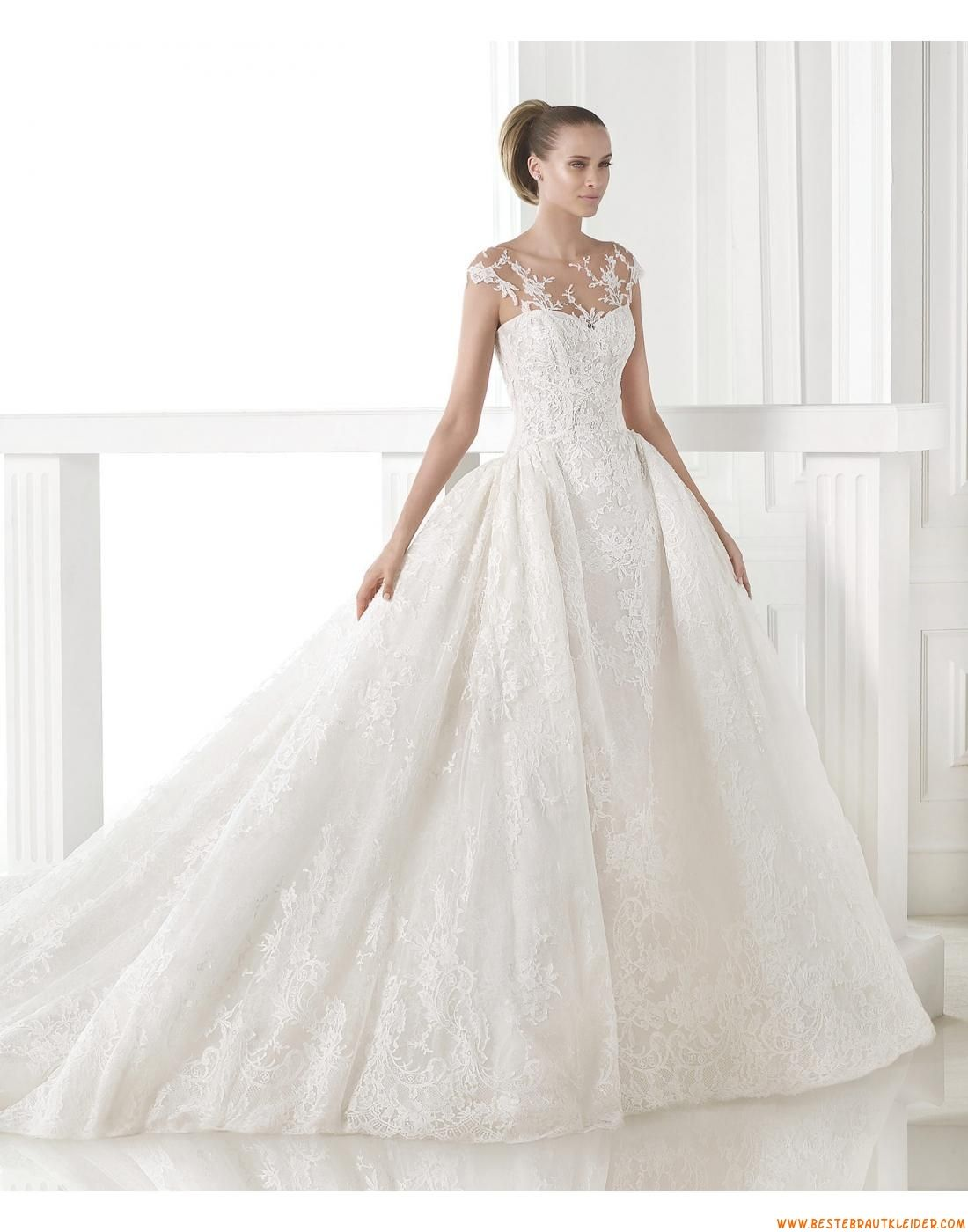 14 Luxuriöse Außergewöhnliche Brautkleider aus Spitze mit