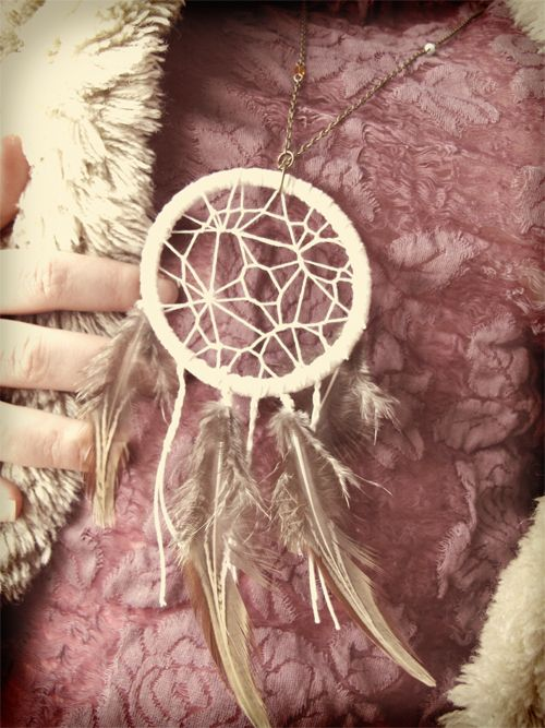 DIY Dream Catcher Necklace OR mini dream catcher for the car.