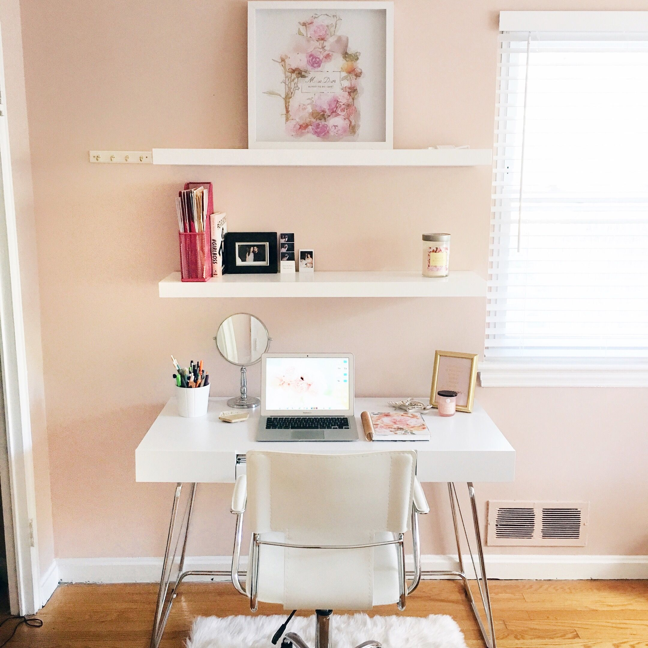 Office desk White Desk Pink and white Office