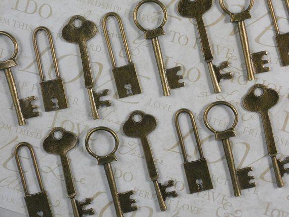 18 Bronze Lock & Keys Collection LG Pendants 51mm - 63mm Old Relic Look Wedding Favors (Lock2) For escort cards