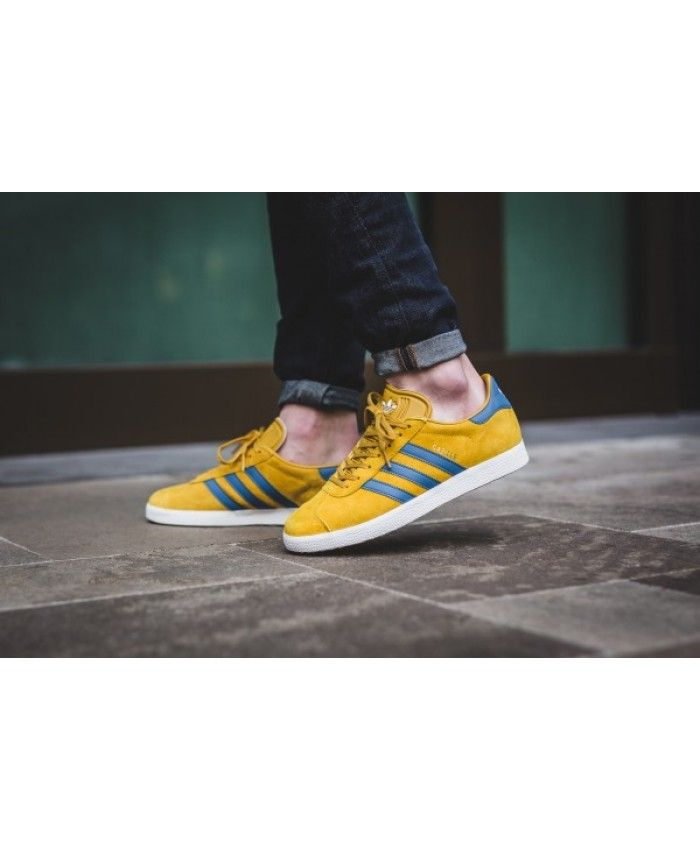 super popular ca36e 6292a Adidas Gazelle Mens Trainers In Yellow Blue