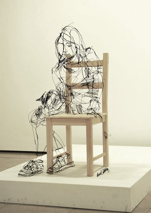 Wire 3D Sculptures – Fubiz™  I love the technique to continually layer the wire to make it look like charcoal or pencil drawings. It keeps it loose and gives the illusion of lightness.