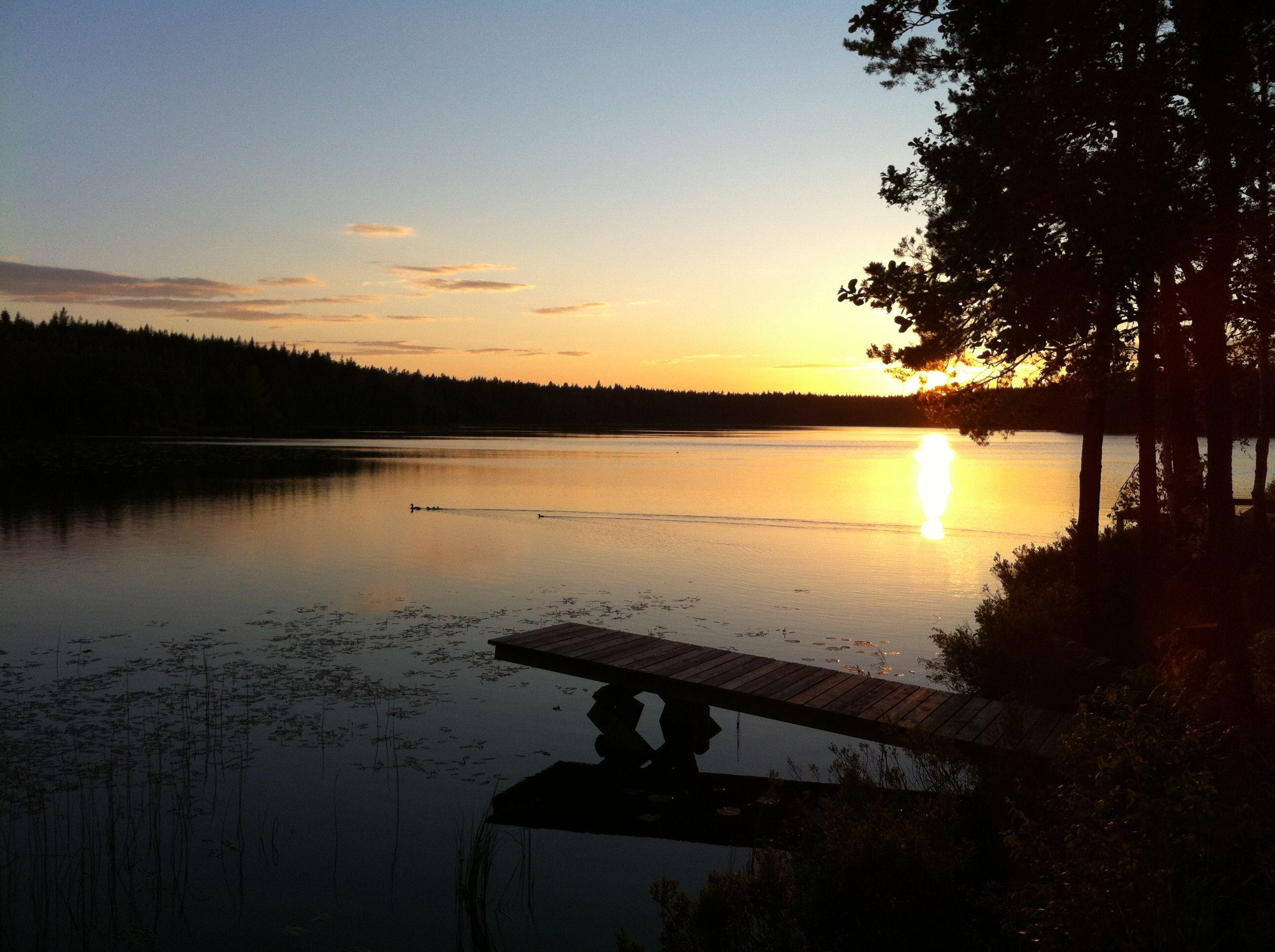 Mörtsjön i Mörtebo utanför Ockelbo i Gästrikland. Juni 2012