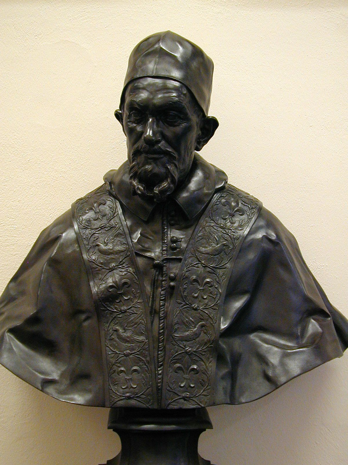 bust of cardinal giovanni dolfin by gian lorenzo bernini is  gian lorenzo bernini is this bust of cardinal melchior klesl 1623 in bronze by gian lorenzo