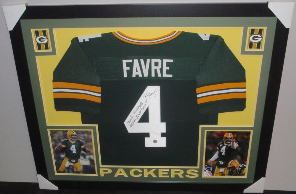 sports shoes 06b90 81f6d Brett Favre Signed Packers 35x43 Custom Framed Jersey with ...
