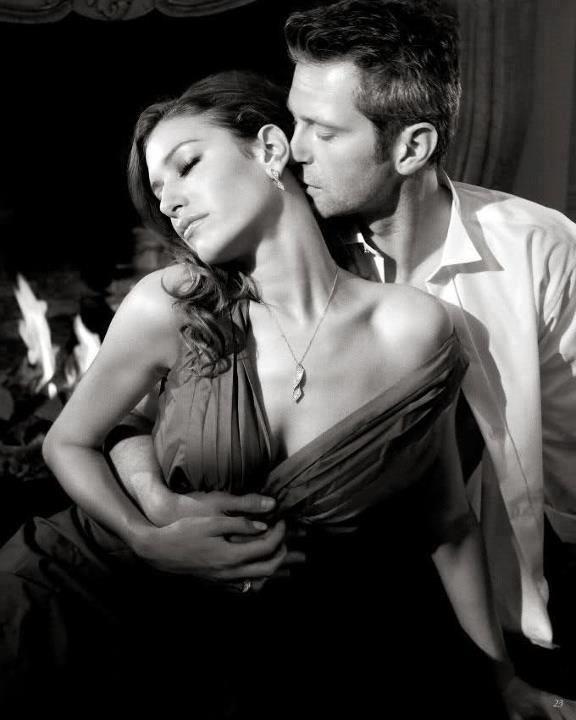 Целует девушку сзади фото фото 340-503