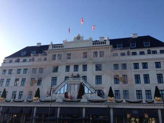 Hotel D'Angleterre: Hotel on a Crisp December Day