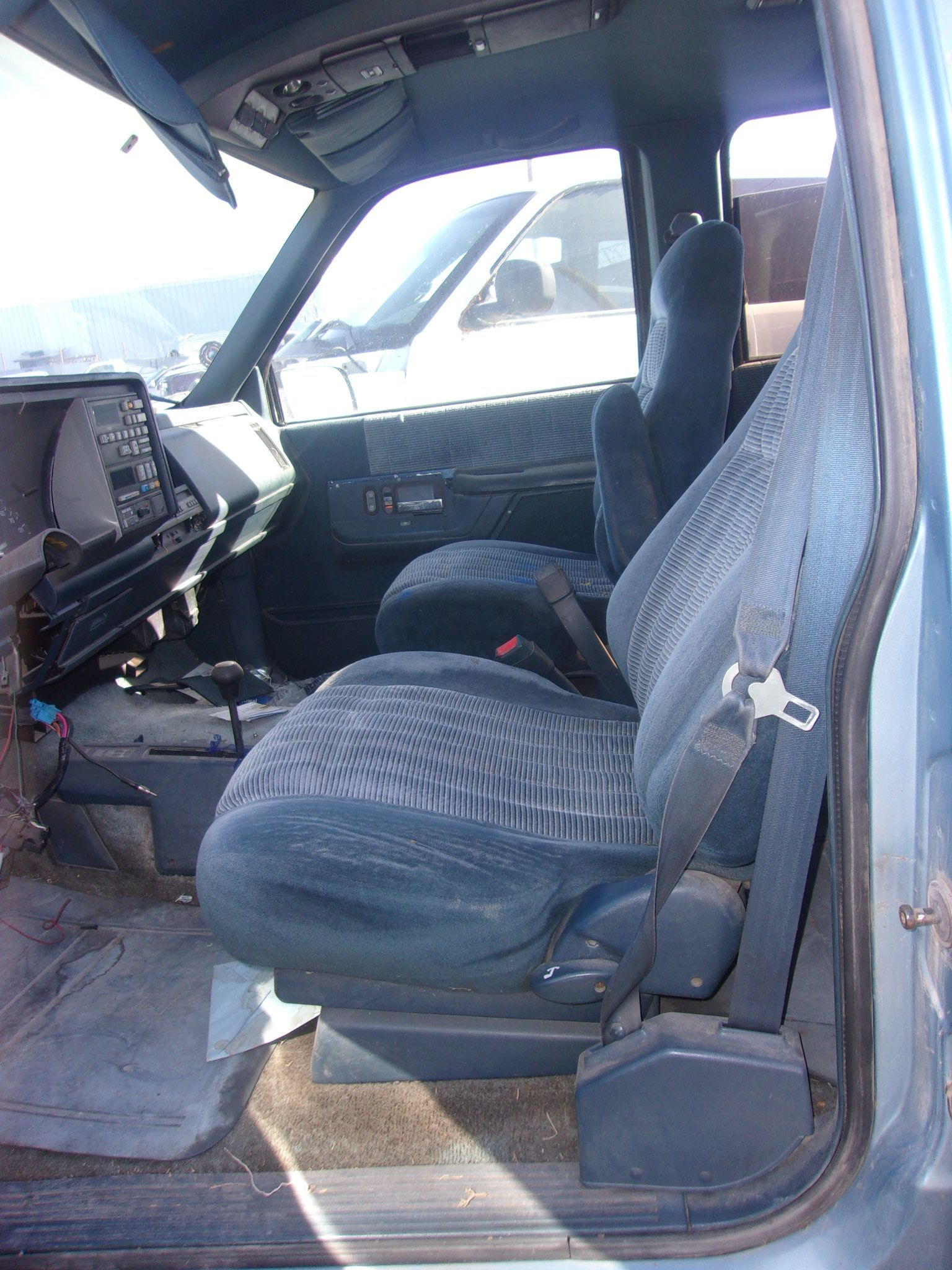 1992 Chevrolet Suburban Front Seats Parting Out 100 Chevrolet Suburban Chevrolet Car Seats
