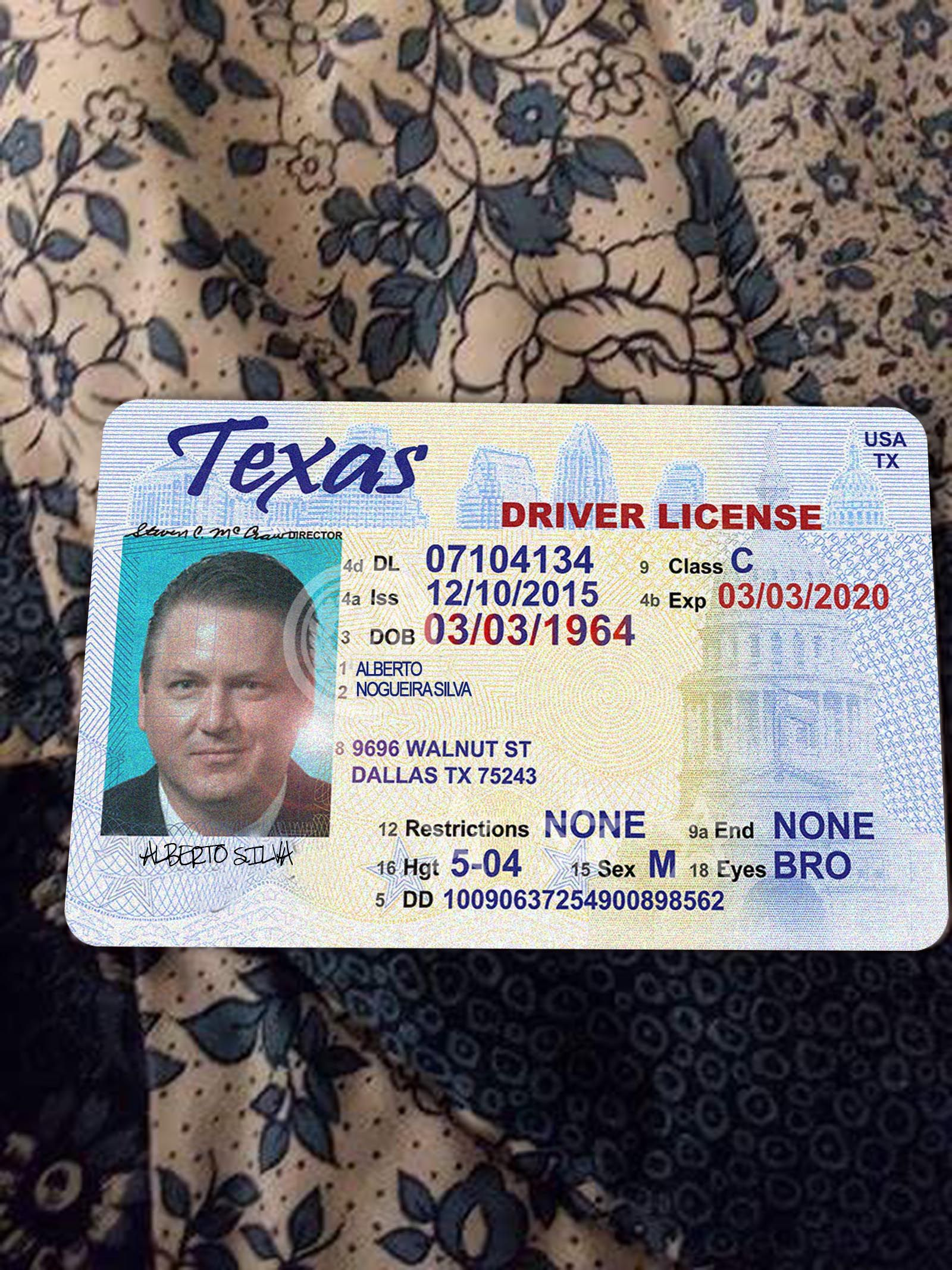 Pin By Office Doc On Making All Kinds Of Documents Drivers License Drivers License Pictures Drivers License California