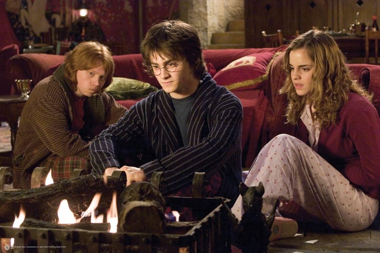 Pin Von Iv Auf Harry Potter The Boy Who Lived Harry James Potter Harry Potter Film Harry And Hermione