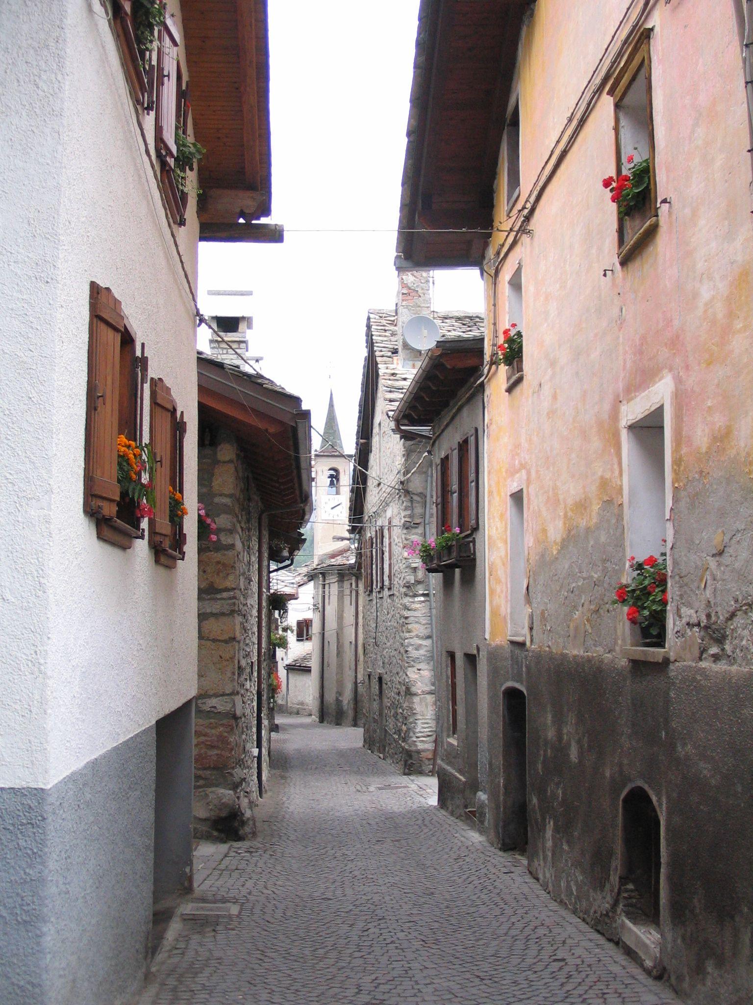 Courmayeur Italy - nice street