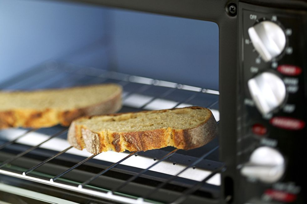 The 5 Biggest Mistakes You Make Using Your Toaster Oven