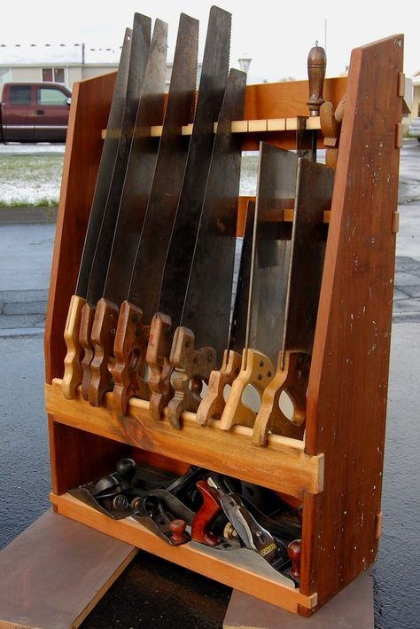 Http://www.woodtalkonline.com/topic/3071 Hand Saw Till And Plane Storage/