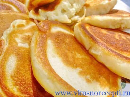 оладьи на кефире пышные пошаговый рецепт с фото с яйцом и содой