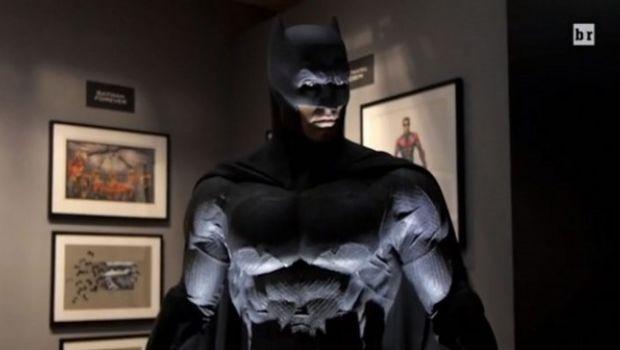 Batman v Superman: video con la nuova Batmobile e i costumi di scena
