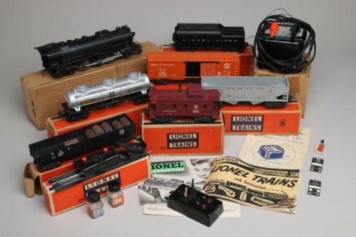 Vintage 1953 LIONEL Electric Train Set Engine 2056 Asst Cars Track Extras