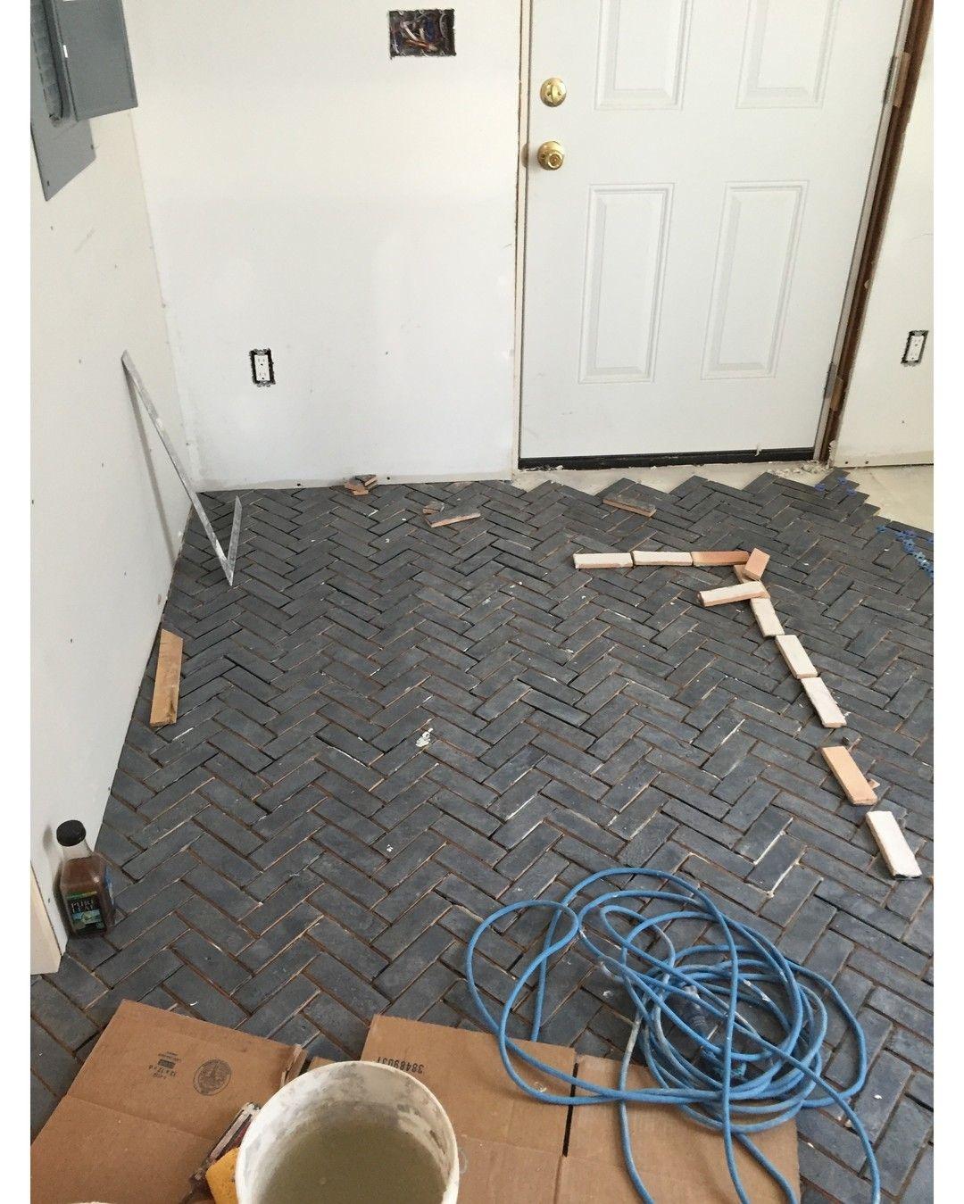 #tile #instabathroom #tiles #tiled #tiling #tilework #interior #interiors #interiordesign #interiordesigner #interiorinspiration #interiorinspiration #tiler #featurewall #walltiles #tilelove #instahome #bathroomdesign #tileaddiction #pattern #bathroomremodel #hardwoodtile #finehomebuilding by falcon_industries