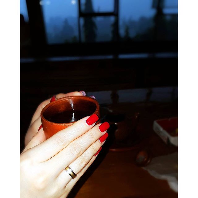 #mulpix So in love with my red nails💅  #potd  #nails  #red  #nailpolish