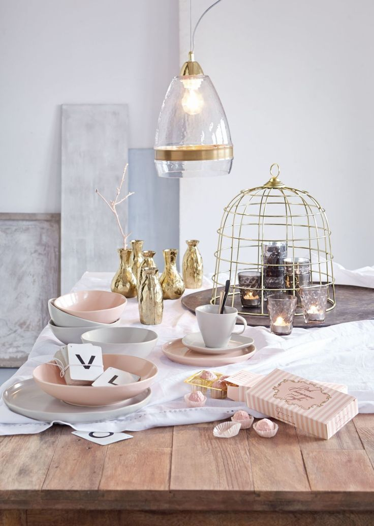 Grau-Rosé! Voll im Trend #service #grau #rosa #impressionen - wohnzimmer deko rosa