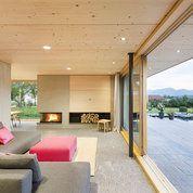 Wohnzimmer von architekturplusraum