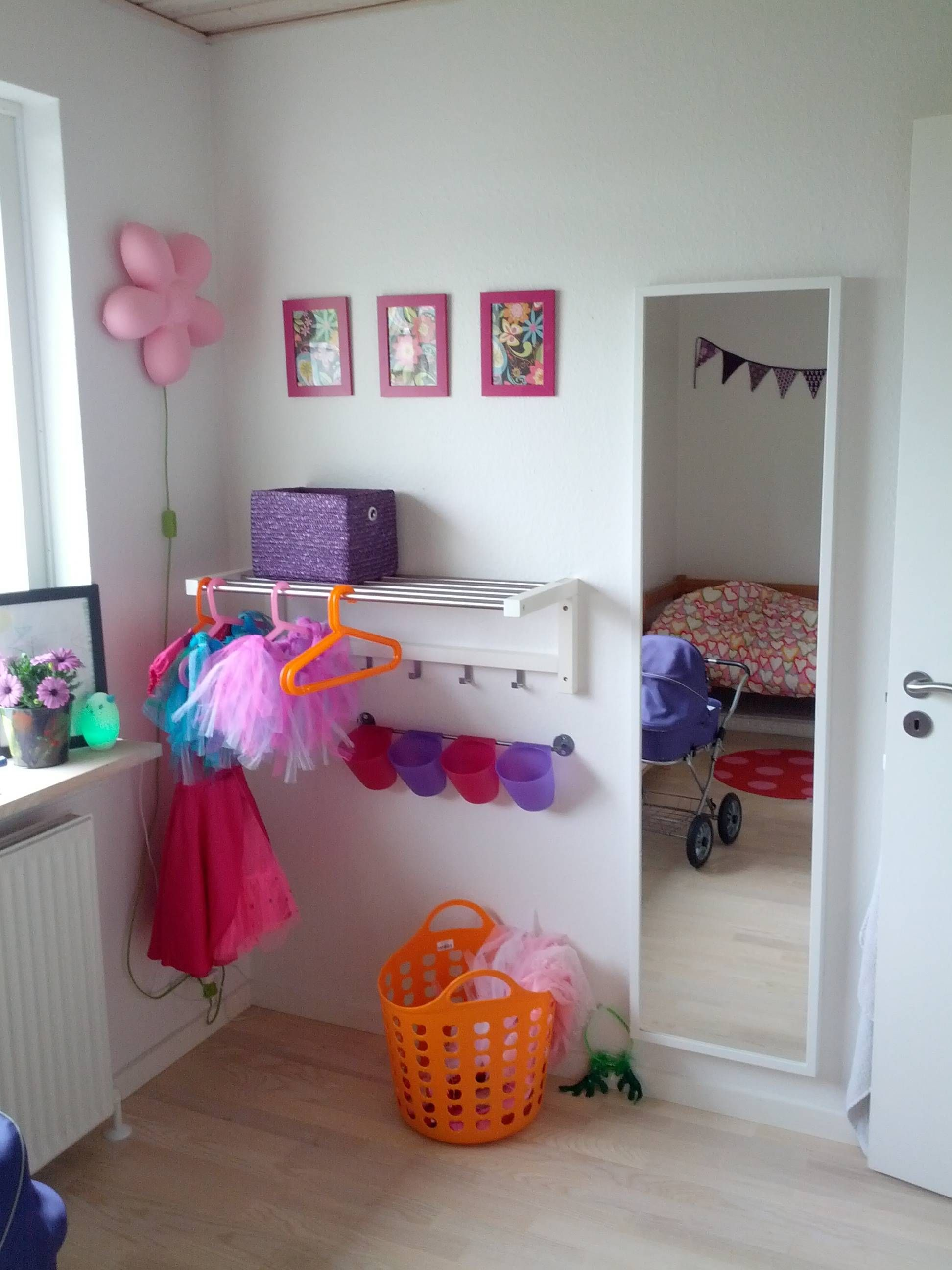 dress up corner diy Pinterest