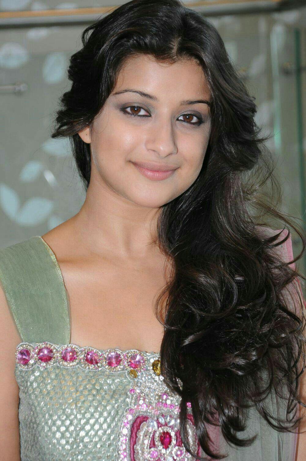 Top 15 South Indian Actress Bikini Images-Sexiest Bikini