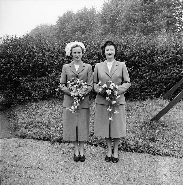 A lovely pair of yesteryear bridesmaids. #vintage #wedding #bridesmaid