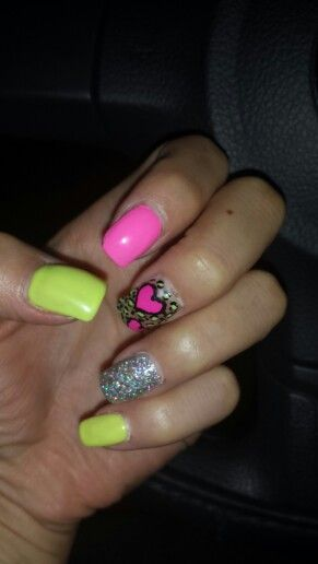 Nails Super Psicodelicas