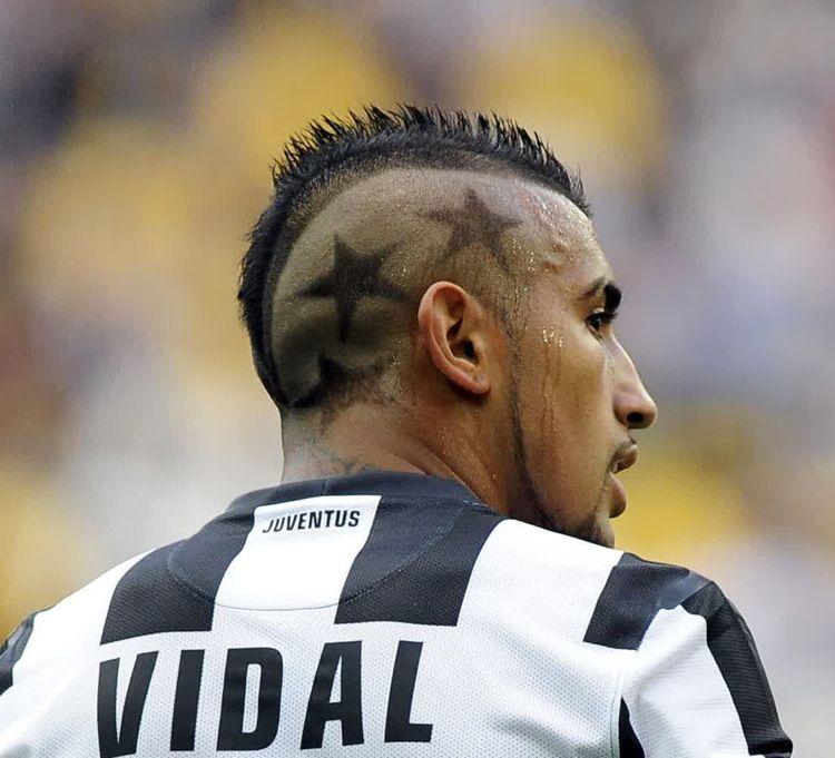 Irokesenschnitt Mit Muster Arturo Vidal Frisuren Hairstyles Hair